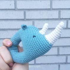 Trolleungen: Opskrift på hæklet næsehornsrangle / crochet - rhino baby rattle