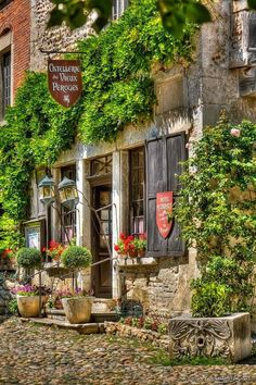 15 of the most beautiful places & Towns to visit in France. Places Around The World, Oh The Places You'll Go, Places To Travel, Places To Visit, Around The Worlds, Beautiful World, Beautiful Places, Ville France, Beaux Villages