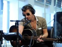 Alex Turner of the band Arctic Monkeys visits the SiriusXM studios on August 2013 in New York City. Monkey Puppet, Monkey 3, Alex Turner, Just Deal With It, The Last Shadow Puppets, Babe, Skinny Guys, Dream Guy, Music Songs