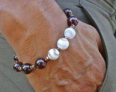 Böhmische Liebe, Engagement, Schutz-Armband mit Semi kostbare klobige weiße tibetischen Achaten, roter Granat, Hematites in Bronze und Silber
