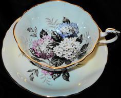 PARAGON+PASTEL+BLUE++HYDRANGEA+LILAC+TEA+CUP+AND+SAUCER+SQUARE+#ParagonEnglandRoyal