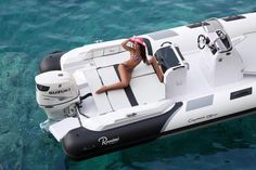 Outboard inflatable boat / semi-rigid / center console / 12-person max. - CAYMAN 19 SPORT - Ranieri - Videos