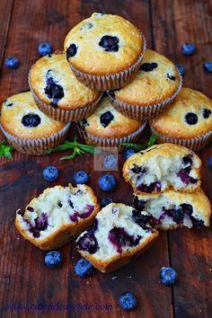 CAIETUL CU RETETE: Briose cu afine Baby Food Recipes, Sweet Recipes, Cookie Recipes, Dessert Recipes, Muffins, Romanian Food, Good Foods To Eat, No Cook Desserts, Sweet Cakes