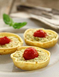 Tartellette pesto e Pomodorini || Cirio, gusta la nostra ricetta. #pesto #pomodori #tomato #recipe #ricetta