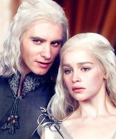 Viserys & Daenerys-GoT
