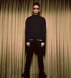 Noel Gallagher, Beautiful Boys, Rock Bands, Singer, Oasis, Badass, Champagne, Boyfriend, Random