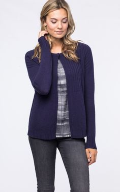 Round neck cashmere cardigan with mixed textures