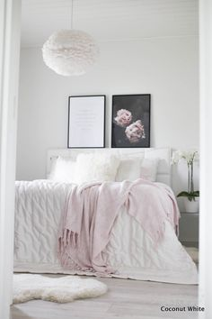 Kuumat yöt ja sohvan kulutus | Coconut White Interior Inspiration, Bedroom Inspiration, White Houses, Living Room Kitchen, Home Staging, House Rooms, Decorating Your Home, Decoration, Sweet Home