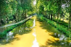 Connecting the Garonne to the Mediterranean, the Canal du Midi is an UNESCO World Heritage Site. This is one of the preferred destinations for cyclists.