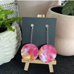 Turning used aluminium coffee pods, recycled magazines and specialty papers into unique, lightweight, fun and functional earrings for all occasions! Saving the planet two pods at a time. Recycled Magazines, Specialty Paper, Coffee Pods, Describe Yourself, Get Directions, Getting To Know You, How To Memorize Things, Recycling, Pretty