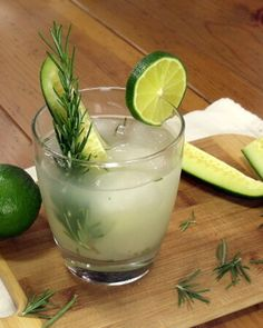 Light and refreshing, this Rosemary Cucumber Gimlet Cocktail is a fun summer twist on this classic cocktail! Cucumber Gimlet, Basil Cocktail, Rosemary Cocktail, Cocktail Ideas, Shandy, Appetizer Recipes, Appetizers