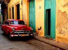Image from http://www.cjournal.info/wp-content/uploads/2010/10/Cuba-oldCar.jpg.
