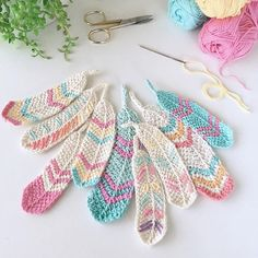 Thank you all so much for the feather love gorgeous people in my phone. I've just popped the free pattern on my blog (link in profile). Have a great weekend and enjoy