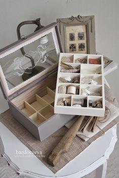 bardoczeva: Kincses láda Diy Furniture, Tray, Diy Ideas, Nice, Trays, Craft Ideas, Handmade Furniture, Nice France, Board
