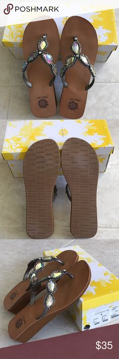💎Yellowbox Pewter with Stones Sandals, size 8💎 💎Pretty Yellowbox pewter sandals with iridescent stones! LIKE NEW!! Worn once! Smoke free, pet free home!💎 Yellow Box Shoes Sandals
