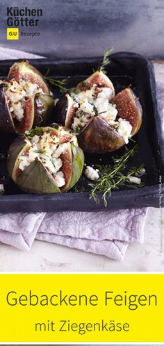 Gebackene Feigen Oriental desserts don't always have to be sugar-sweet. The figs with goat cheese are the culmination of a delicious mezze meal. Cheese Appetizers, Vegan Appetizers, Party Food Platters, Yummy Snacks, My Favorite Food, Finger Foods, Food Inspiration, Tapas, Food And Drink