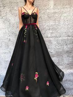 Flowery Onyx TMD Gown
