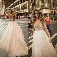 skirt for wedding dress Berta Bridal, Bridal Gowns, Wedding Gowns, Beautiful Dresses, Nice Dresses, Prom Dresses, Long Dresses, Tulle Dress, Dream Dress