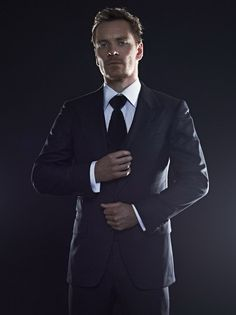 Dayammm someone looks hot in a suit!