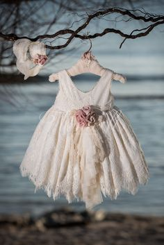 Baby Girl Fashion, Frocks, Girl Outfits, Flower Girl Dresses, Princess, Wedding Dresses, Inspiration, Clothes, Beautiful