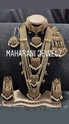 Pakistani Bridal Jewelry, Indian Wedding Jewelry, Wedding Jewelry Sets, Bridal Jewellery, Indian Jewelry Earrings, Indian Jewelry Sets, Jewelry Necklaces, Hyderabadi Jewelry, Bridal Necklace Set