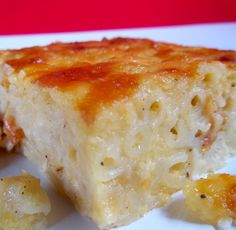 Trinidad Macaroni Pie i little more salt and cheese Trinidadian Recipes, Guyanese Recipes, Jamaican Recipes, Jamaican Cuisine, Jamaican Dishes, Carribean Food, Caribbean Recipes, Caribbean Party, Bluefields