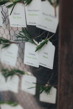 Reego Photographie – Un mariage campagne chic a la Bastide Saint Mathieu – Grasse – La mariee aux pieds nus