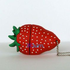 Cooler USB-Stick 8GB - Erdbeermanie €12.90 #usbstick #usbsticks #usb #geschenk #geschenke #geschenksideen #angebot #angebote