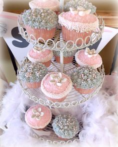 pink and gray cupcake, just what I want for Lily's first birthday!