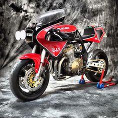 Suzuki Bandit 600 Cafe Racer Suzuka by XTR PEPO #motorcycles #caferacer #motos | caferacerpasion.com