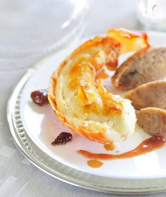 Langouste rôtie en carapace au beurre d'orange, marrons laqués à la confiture de quetsches Bonne Maman