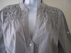 6 Degrees Women's Button Up Gray Striped Shirt Size (L) #6Degrees #ButtonDownShirt #Casual