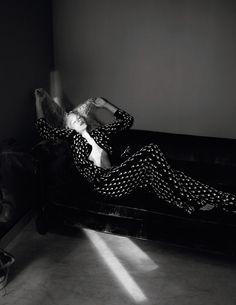 "Andreea Diaconu & Frederikke Sofie float through the story in a state of grace, ""Etat de Grâce"" by David Sims for Vogue Paris, November 2015 Vogue Fashion, Teen Fashion, Fashion Art, Editorial Fashion, 2010s Fashion, Fashion Portraits, David Sims, Fashion Photography Inspiration, Editorial Photography"