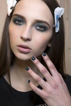 Elie Saab Dark shades manicure Fall 2014 Winter 2015