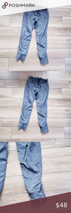 My joggers are similar fit no drawstring i've styles with