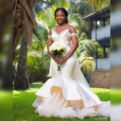 From Stealing Glances at Each Other to Forever Love! Novisi & Antonio's Ghanaian Wedding Ceremony African Traditional Wedding Dress, African Wedding Dress, Best Wedding Dresses, Designer Wedding Dresses, Wedding Attire, Bridal Dresses, Ghana Traditional Wedding, African Weddings, Ghana Wedding