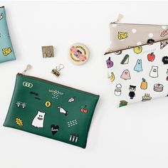 The Gunmangzeung Ghost pop cute illustration zipper pouch M is a very useful and well made medium sized zipper wallet. Korean Illustration, Cute Illustration, School Supplies, Craft Supplies, Cute Ghost, Cute Stationery, Cute Korean, Travel Accessories, Zipper Pouch
