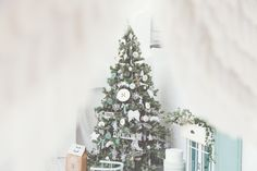 Rooms- your photo place www. Your Photos, Shabby, Christmas Tree, Rooms, Studio, Holiday Decor, Places, Vintage, Home Decor