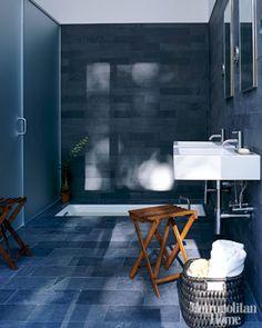 Dark bathrooms interior design new york dark blue bathrooms, Modern Luxury Bathroom, Beautiful Bathrooms, Luxury Bathrooms, Minimal Bathroom, Contemporary Bathrooms, Contemporary Interior, Interior Design New York, Bathroom Interior Design, Bathroom Designs