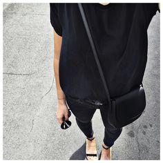 "Audrey auf Instagram: ""Mercredi = ⚫️ #theyskenstheory #jbrand #mansurgavriel #ameyewear #isaperasandals"""