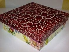 Como fazer pintura craquelê em MDF 003 Diy Wood Projects, Projects To Try, Eggshell Mosaic, Diy And Crafts, Arts And Crafts, Decoupage Box, Wood Boxes, Vintage Wood, Trinket Boxes