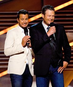 Luke Bryan & Blake Shelton... Love Luke's face
