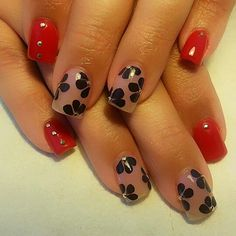 Red nail design