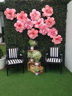 The Feeling of Greatness Wedding Stage Decorations, Engagement Decorations, Diy Backdrop, Wedding Ceremony Backdrop, Photo Booth Backdrop, Flower Backdrop, Flower Wall, Backdrops, Church Flower Arrangements
