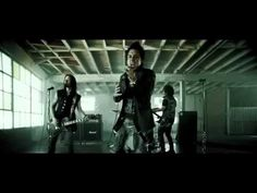 Papa Roach - Burn (Uncensored Version) OFFICIAL VIDEO~ I think of you every time I sing this , I see your faces and all the rotten things you've done ~ MJAWCK~ I wanna watch you BURN Rock Music Quotes, Singing Quotes, Art Quotes, Tattoo Quotes, Breaking Benjamin, Papa Roach, Tortured Soul, Roaches