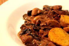 Alternativa sem carne para quem adora esse clássico abrasileirado #cogumelos #estrogonfe #vegetariano
