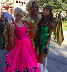 Ariana Grande, Jennifer Hudson, and Dove Cameron