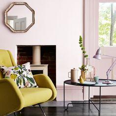 Living room paint colors - the 14 best paint trends to try Pink Living Room Paint, Living Room Color Schemes, Room Paint Colors, Lounge Decor, Murs Roses, Little Greene Paint, Deco Rose, Traditional Paint, Pink Walls