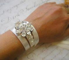 BRIDAL Wedding Bracelet, bridesmaids Bracelet,Swarovski Rhinestone jewelry  ACCESSORIES Sparkle ,Wedding Jewelry Cuff,