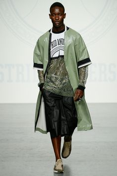 See the complete Astrid Andersen Spring 2018 Menswear collection.